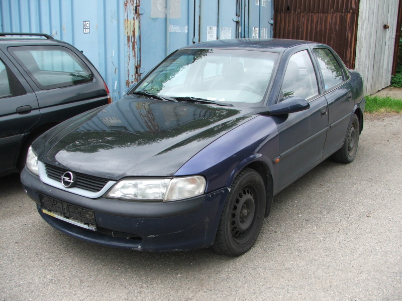 Opel Vectra 1.6, X16SZR, 55kW, r.v. 1997 na ND
